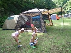 お子さんとのキャンプは今井さんの大切なひとときだ