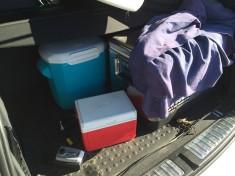 車内にはクーラーボックスが何個も常備。サーフィンはもちろん、買い物やドライブなど普段の生活でも使える