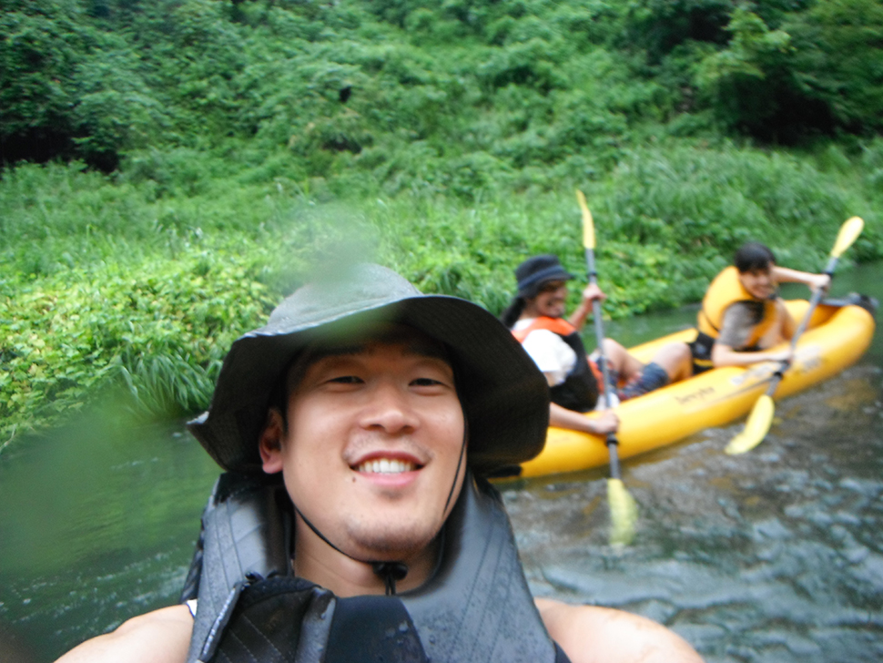 カヤックも担当している本田さんは、プライベートでもカヤックキャンプを楽しんでいる