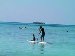 海が大好きな山本さんは、最近息子さんとSUPも楽しんでいるとか…